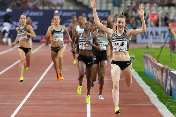 Laura Muir wins the 1500m at the Paris Diamond League (Jeff Cohen)