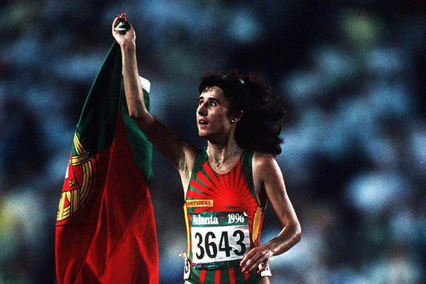 Fernanda Ribeiro after winning the 10,000m at the 1996 Olympic Games (Getty Images)