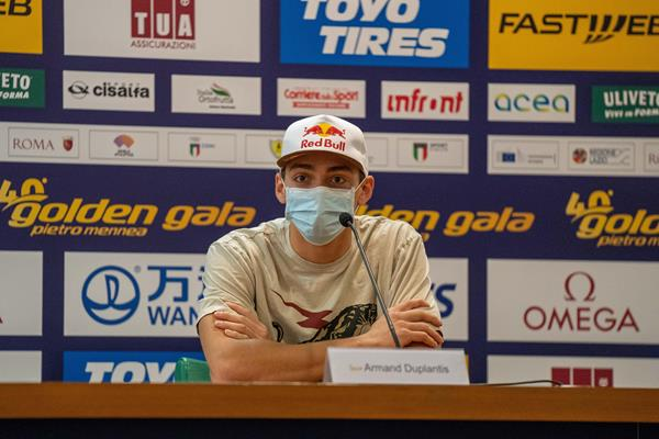 Armand Duplantis at the pre-meet press conference in Rome (Chris Cooper)