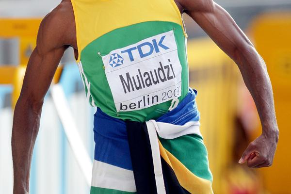 South Africa's Mbulaeni Mulaudzi celebrates winning the gold medal in the men's 800m final at the 12th IAAF World Championships in Athletics (Getty Images)