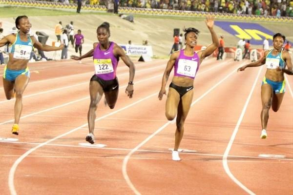 Carmelita Jeter edges Kerron Stewart in 10.94 in Kingston (trackalerts.com)