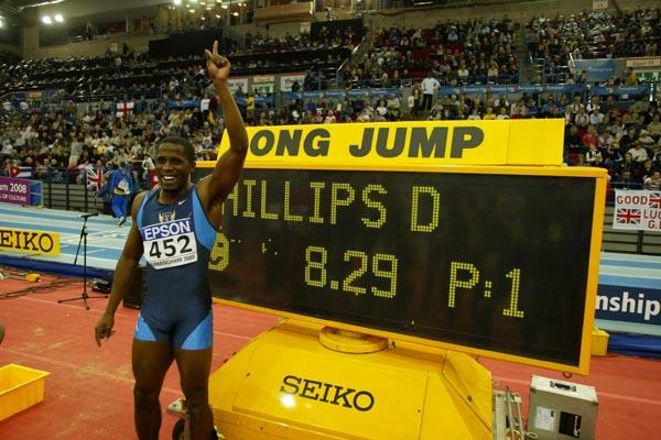 Dwight Phillips (USA) after winning the men's long jump (Getty Images)