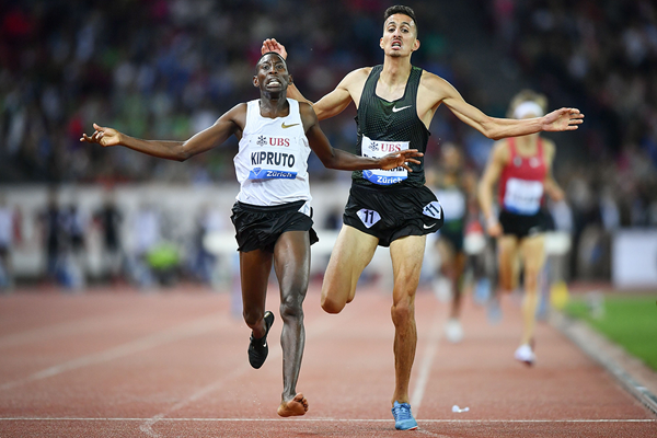 Conseslus Kipruto wins the 3000m steeplechase at the IAAF Diamond League final in Zurich (AFP / Getty Images)