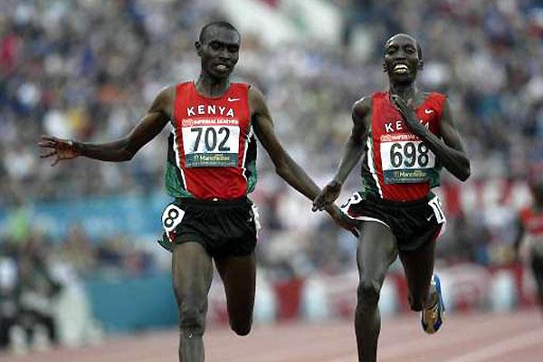 Sammy Kipketer (698) wins the men's 5000m (© Allsport)