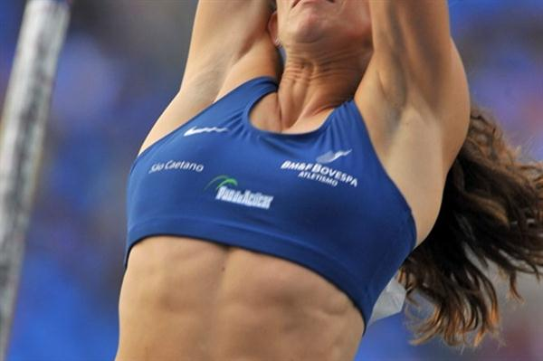 Fabiana Murer opens with a 4.75m clearance in Rio (Alexandre Loureiro/CBAt)