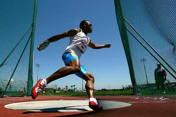 Bryan Clay in the Discus Throw - second day USATF Decathlon champs (Getty Images)
