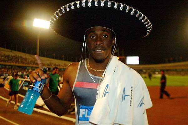 Darrel Brown of Trinidad after his 10.11 win in the 2004 Banamex GP (mexsport)