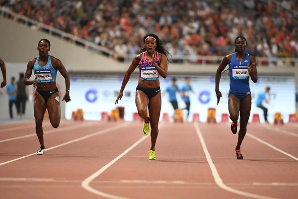 Elaine Thompson powers to victory in the Shanghai 100m (Errol Anderson/Jiro Mochizuki)