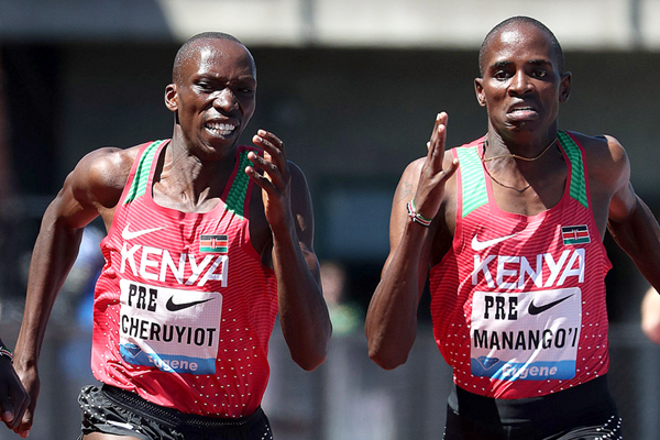 Timothy Cheruiyot and Elijah Manangoi in the mile at the IAAF Diamond League meeting in Eugene (Victah Sailer)