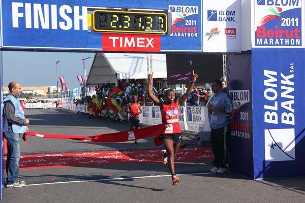 Seada Kedir, Ethiopia wins the 2011 BLOM Beirut Marathon (Emile Issa )