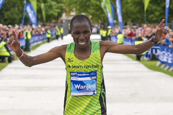 Peter Wanjiru wins at the 2015 Edinburgh Marathon (Lesley Martin / organisers)