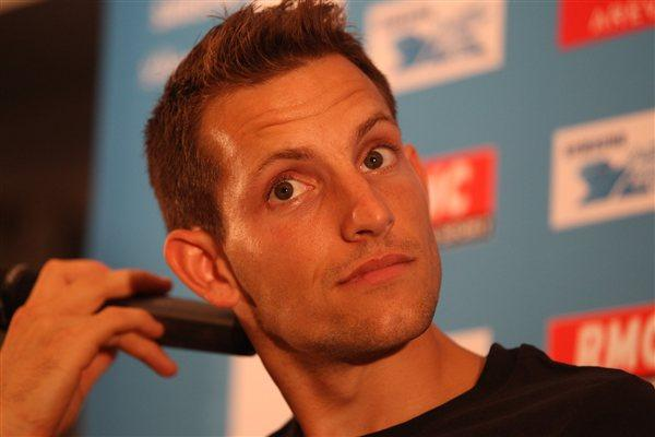 Renaud Lavillenie meets the media in Paris (Jean-Pierre Durand)