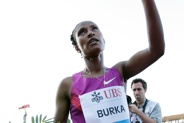 Ethiopia's Gelete Burka celebrates her victory (AFP / Getty Images)