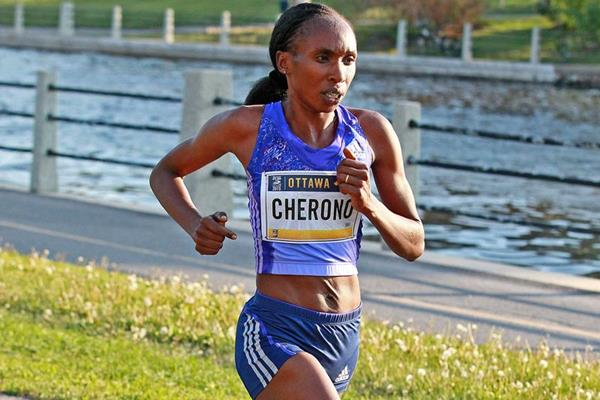 Gladys Cherono on her way to winning the Ottawa 10km (Victah Sailer)