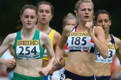 Ciara Mageean of Ireland and and Rowena Cole of Great Britain in action (Getty Images)