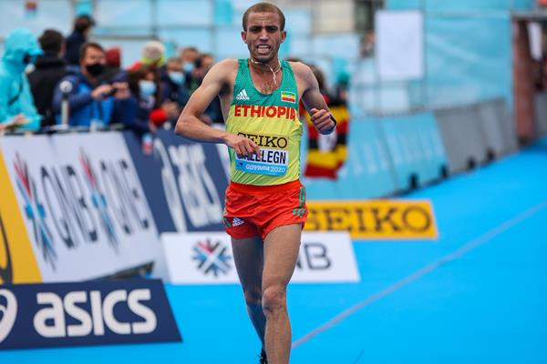 Amedework Walelegn crosses the line in third place at the World Athletics Half Marathon Championships Gdynia 2020 (Dan Vernon)