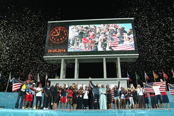 USA receive the Golden Baton at the IAAF World Relays, Bahamas 2014 (Getty Images)