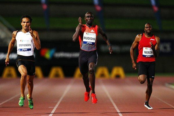 John Steffensen heads David Rudisha in the 400 metres in Sydney (Getty Images)