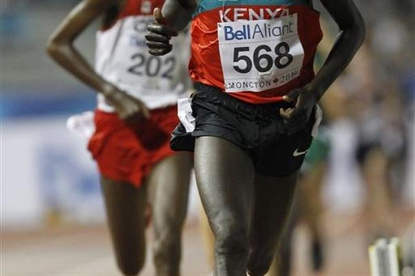 Kenya's Dennis Masai en route to winning the 10,000m gold (Getty Images)
