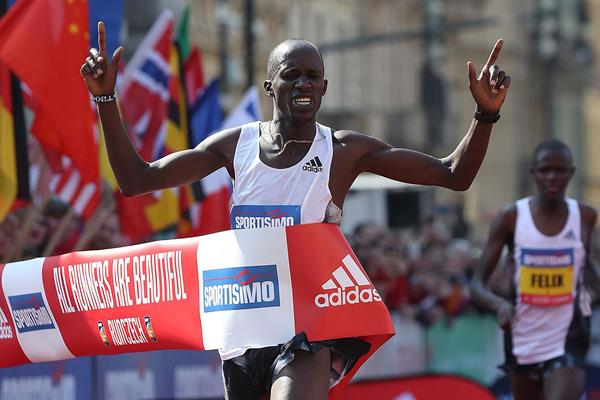 Another Prague Half Marathon victory for Benard Kimeli (Giancarlo Colombo/organisers)