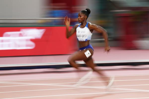 Dina Asher-Smith wins the 200m at the IAAF World Athletics Championships Doha 2019 (Getty Images)