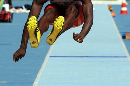 Cuban David Giralt triple jumping in Rio (Ismar Ingber/CBAt)