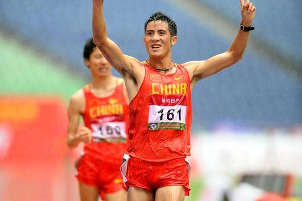 A quick stroll in the rain - Li Jianbo wins the 20km (Jiro Mochizuki)