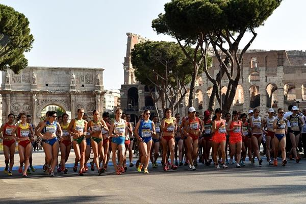 The start of the U20 women's 10km at the IAAF World Race Walking Team Championships Rome 2016 (Getty Images)