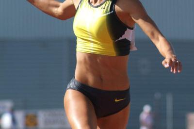 Tatyana Chernova finishing day one in Arles (Lorenzo Sampaolo)
