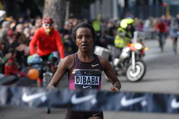 Tirunesh Dibaba wins at the 2013 We Run Rome race on New Year's Eve (Organisers)