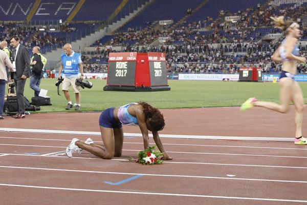 The aftermath of a Kenyan record - Hellen Obiri at the IAAF Diamond League meeting in Rome (Philippe Fitte)