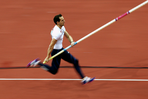 Renaud Lavillenie on his way to pole vault victory (Getty Images)