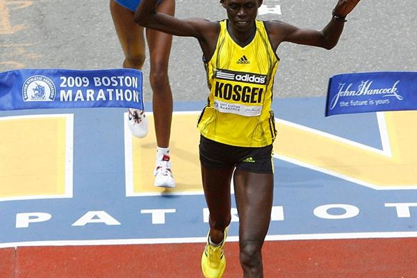 Salina Kosgei out-sprints Dire Tune in Boston (Getty Images)