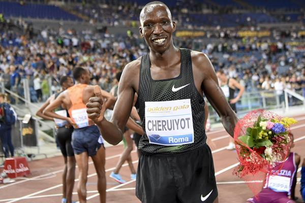 Timothy Cheruiyot in Rome, celebrating another metric mile victory (Hasse Sjogren)