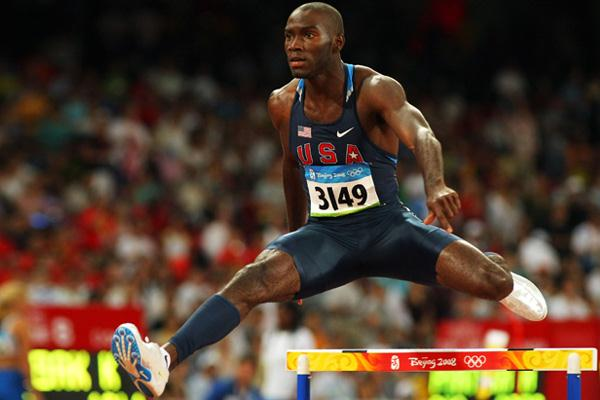 Kerron Clement wins his first-round heat with ease (Getty Images)