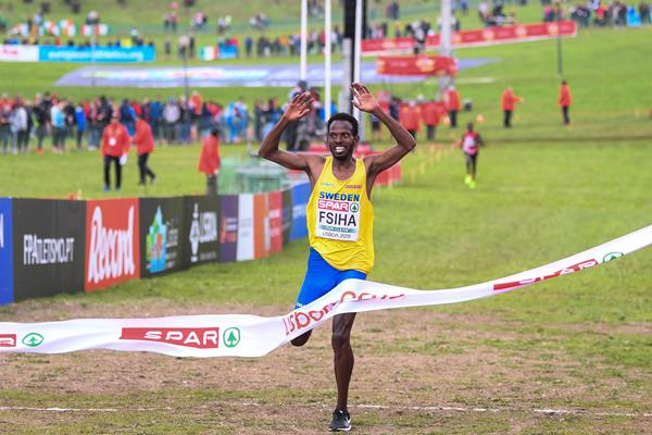 Robel Fsiha wins the senior men's race at the European Cross Country Championships (Getty Images)