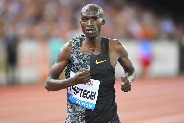 Joshua Cheptegei on his way to winning the 5000m at the IAAF Diamond League final in Zurich (Jiro Mochizuki)