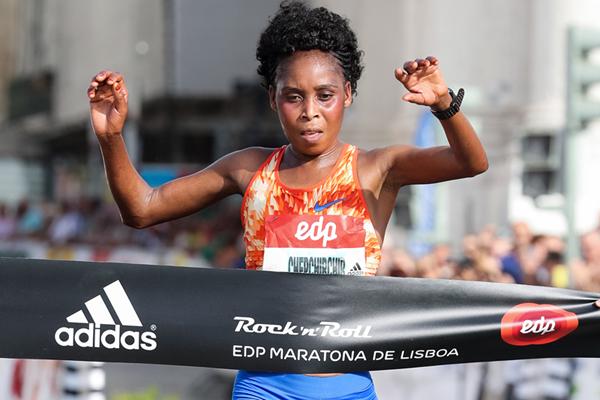 Sarah Chepchirchir wins the Rock'n'Roll Lisbon Marathon  (Organisers / Kevin Morris)