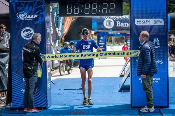 Jim Walmsley takes the long course title at the 2019 World Mountain Running Championships (WMRA)