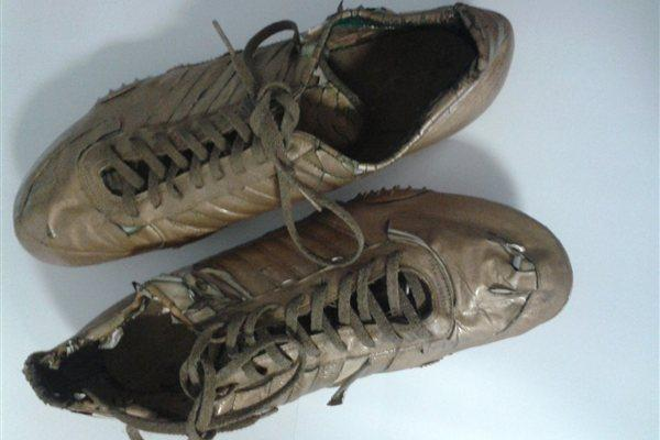Spikes worn by Alberto Juantorena at the 1976 Olympics when he won 400m and 800m gold (Courtesy Alberto Juantorena)