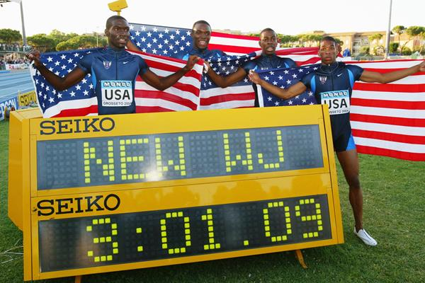 The US 4x400 relay squad at the 2004 World Junior Championships (Getty Images)