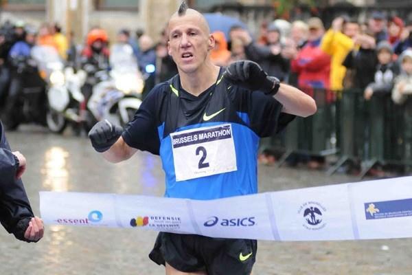 Rik Ceulemans wins the 2008 ING Brussels Marathon (Nadia Verhoft)