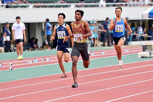 Aruna Darshana wins the 400m at the Asian Junior Championships (JAAF)