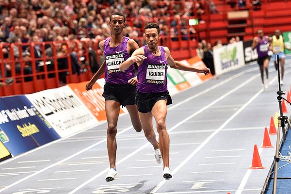 Abdalaati Iguider wins the 3000m at the Globen Galan in Stockholm (Hasse Sjogren)