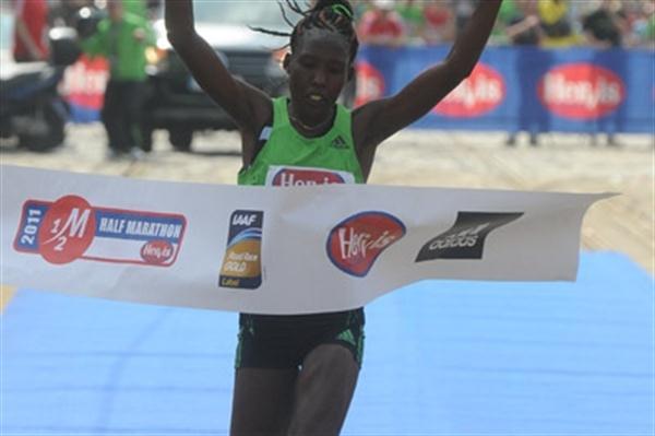 Lydia Cheromei smashes the Prague Half Marathon record with a 1:07:33 run (Larry Ryan)
