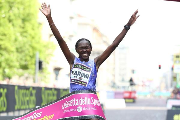 Lucy Karimi winning at the 2015 Milano Marathon (Giancarlo Colombo / organisers)