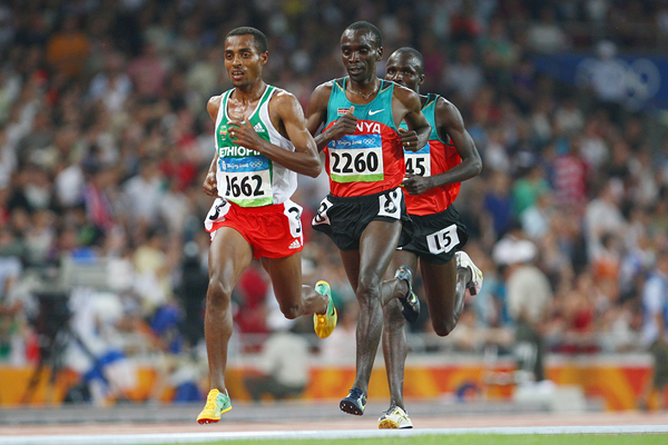 Kenenisa Bekele and Eliud Kipchoge in the 5000m at the 2008 Olympics (Getty Images)