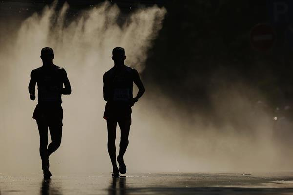 Race walkers in action (Getty Images)