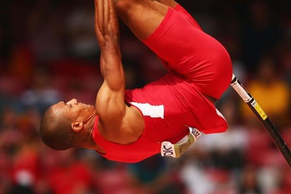 Ashton Eaton in the decathlon pole vault at the IAAF World Championships, Beijing 2015 (Getty Images)