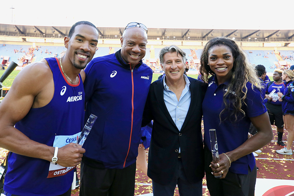 Americas team representatives Christian Taylor and Caterine Ibarguen with team captain Mike Powell and IAAF President Sebastian Coe at the IAAF Continental Cup Ostrava 2018 (Getty Images)